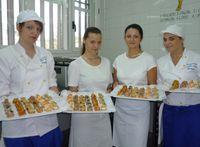 Vivien, Claudia, Diana y Dalma en la cocina de TOPI
