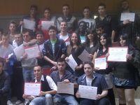 alumnos de Casco Histórico VIII con su diploma